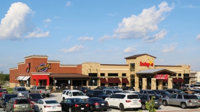 Luby's Inc. adds Fuddruckers combo unit | Family Dining content from Nation's Restaurant News